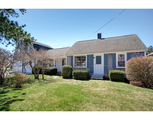 5 Fairview Rd, Bourne, MA 02559
