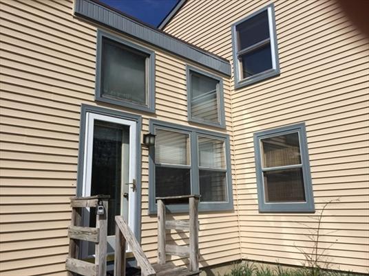 385 Barton Rd, Greenfield, MA: $325,000