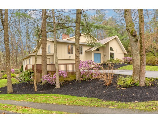 16 Bluejay Road Lynnfield MA 01940