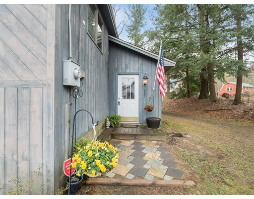 907 Whitney Grove Rd, Derry, NH 03038