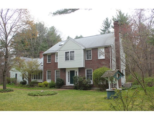 40 Strawberry Hill Rd, Acton, MA 01720