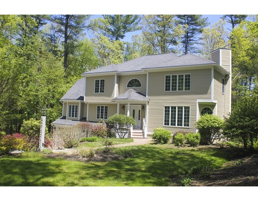 9 Coventry Ln, Topsfield, MA 01983