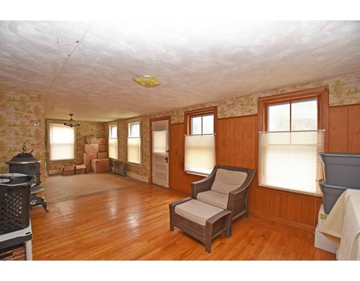 959 Sterling Rd, Lancaster, MA 01523