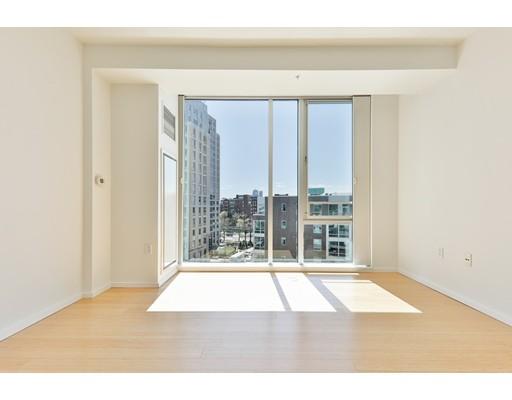 2 Earhart Street #720 Floor 12