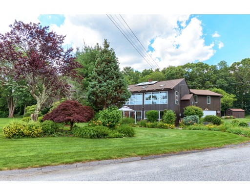 38 Apple Orchard Ln, Seekonk, MA 02771