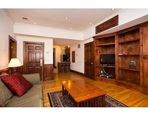 472 Commonwealth Avenue Boston MA 02215