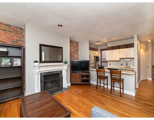 Condominium/Co-Op for sale in 7 Albemarle St Back Bay, Boston, Suffolk