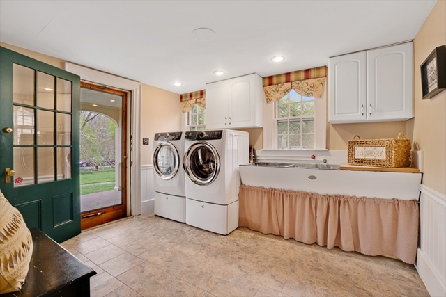 1439 Great Pond Road North Andover MA 01845