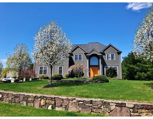 38 Concerto Ct, Easton, MA 02356