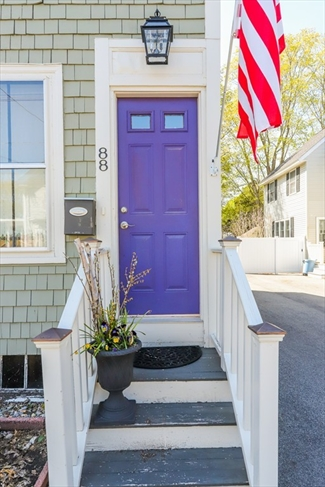 88 Bromfield Street Newburyport MA 01950
