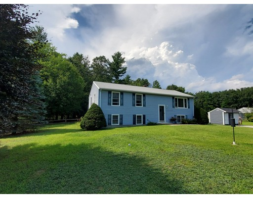 2 Beaver Pond Rd, Kingston, NH 03848