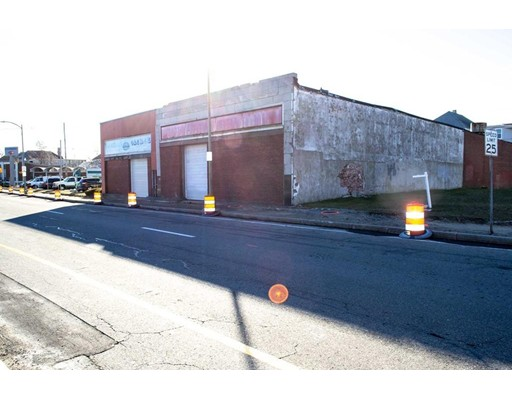 810 S 1st St, New Bedford, MA 02744