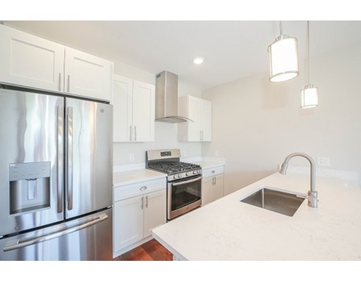 18 Johnson Ave #14, Quincy, MA 02169