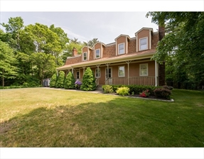 5 Country Acre Road, Dartmouth, MA 02747