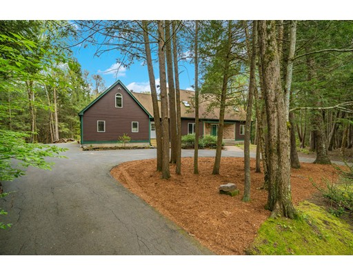 34 Carillon Circle Easthampton MA 01027