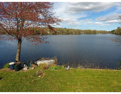 12 Lakeview Ave, Dudley, MA 01571