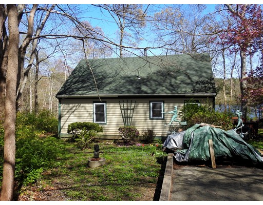 8 Shallow Pond Lane Falmouth MA 02536