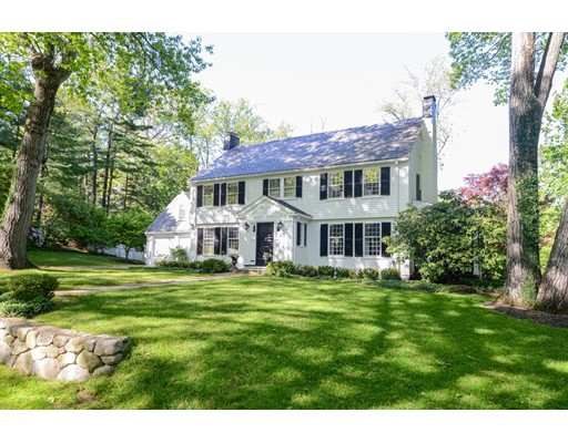 37 Woodcliff Rd, Wellesley, MA 02481