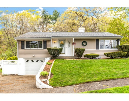 1 Standish Road Lynnfield MA 01940