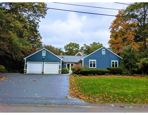 15 Old Wood Rd, North Attleboro, MA 02760