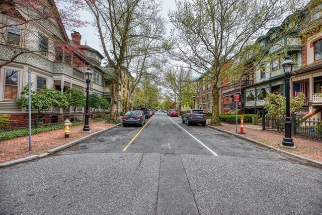 18 Salem Street Springfield MA 01105