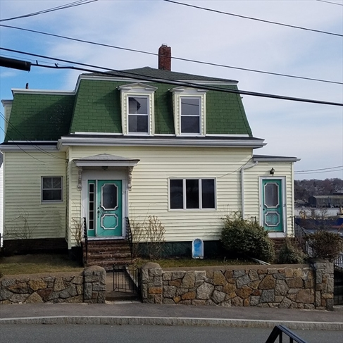 27 Friend Street Gloucester MA 01930