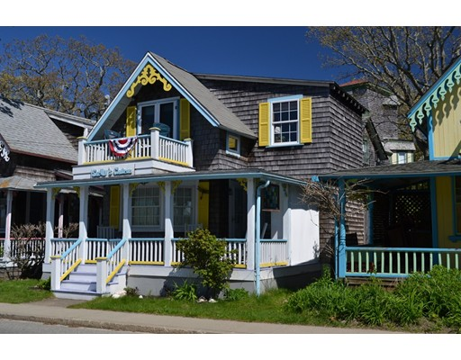 9 Siloam Ave, Oak Bluffs, MA 02557