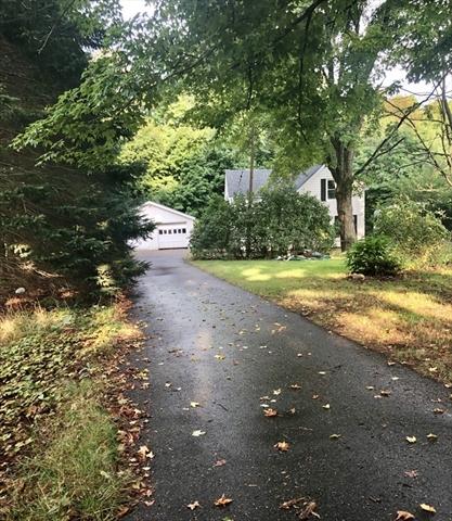 109 Gleason Avenue East Brookfield MA 01515