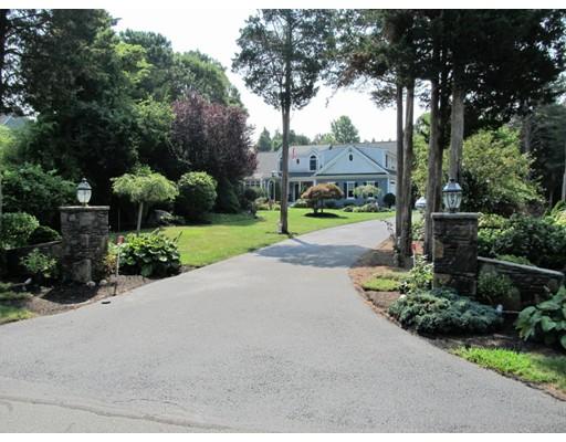 87 Colonial Way, Falmouth, MA 02574