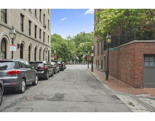 32 River Street, Boston, MA 02108