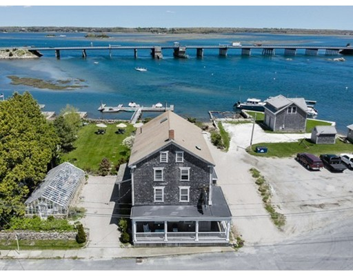 2056 Main Road, Westport, MA 02791
