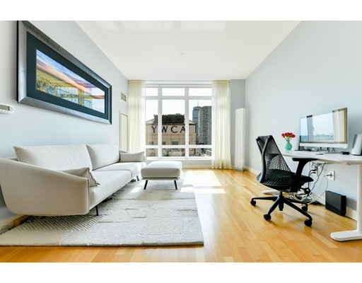 Condominium/Co-Op for sale in The Clarendon, 18H Back Bay, Boston, Suffolk