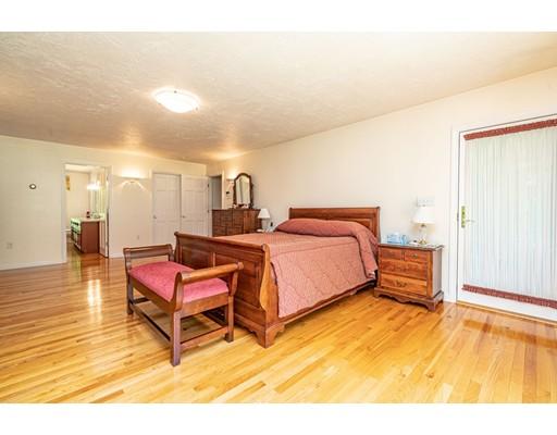 155 Williamsville Rd, Hubbardston, MA 01452