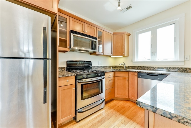 10 Silvey Place Somerville MA 02143