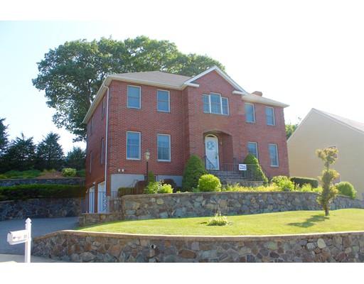 51 Walsh Ave, Stoneham, MA 02180