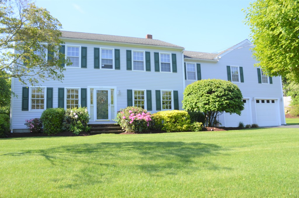 Photo of 119 Sandy Point Rd Somerset MA 02726
