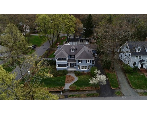 11 Berwick Rd, Lexington, MA 02420
