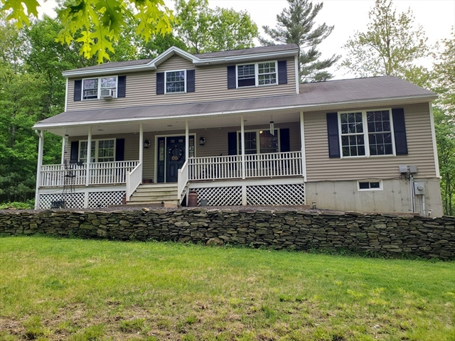 171 Farm Pond Road Oakham MA 01068