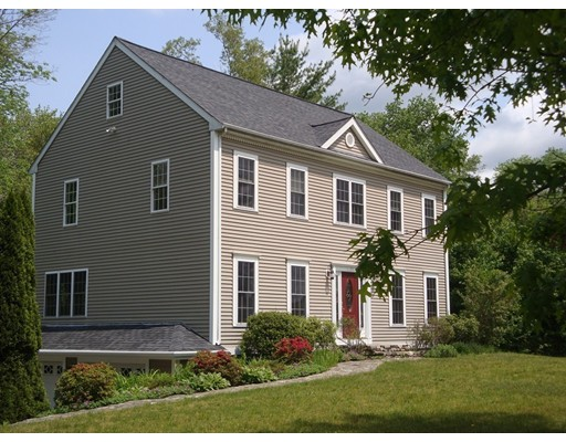 131 Mayflower Rd, Plympton, MA 02367