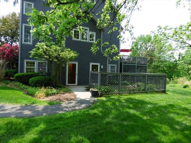 56 Amity Place Amherst MA 01002