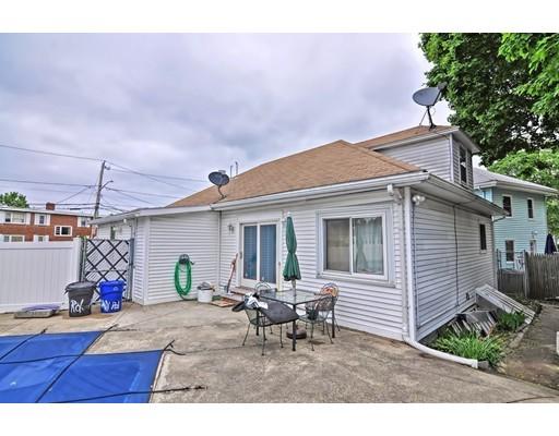 1 Pelican Rd, Quincy, MA 02169