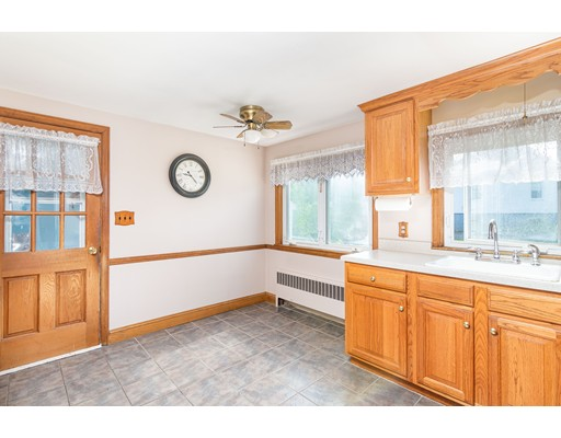 118 Roberts St, Quincy, MA 02169
