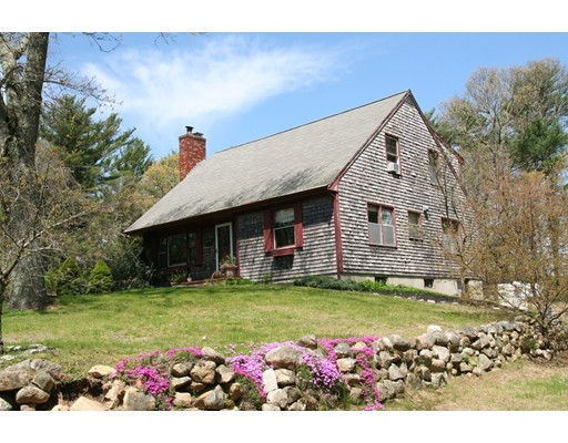 6 Lakeview St, Carver, MA 02330