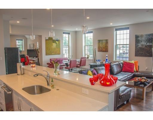 225 Dorchester St #14, Boston, MA 02127