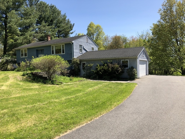 15 Wentworth Manor Drive Amherst MA 01002