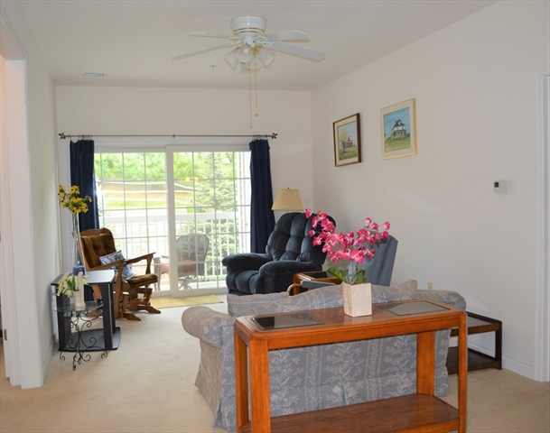 53 Bartlett Way Waltham Ma Real Estate Listing 72511748