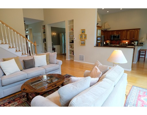 8 Forest Edge, Plymouth, MA 02360