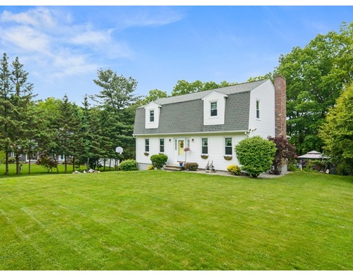 8 Guenther Dr, Dudley, MA 01571