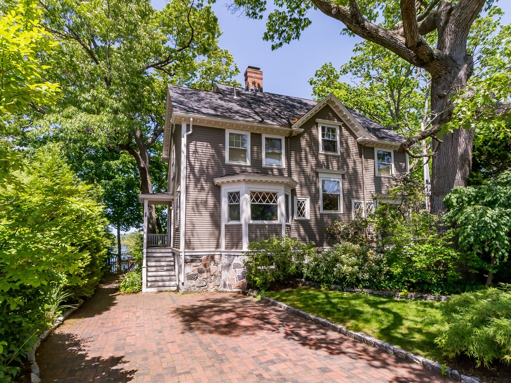 Photo of 9 Glengarry Road Winchester MA 01890