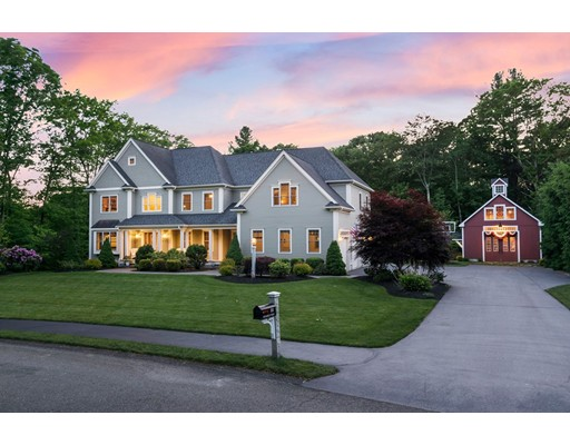 32 Stable Way, Medway, MA 02053